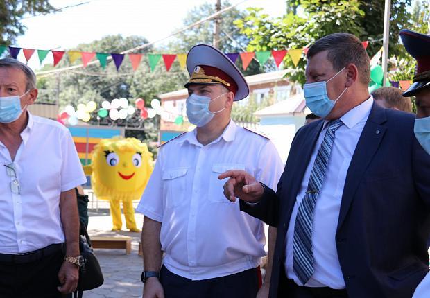 Сергей Запорожский принял участие в открытии детской площадки