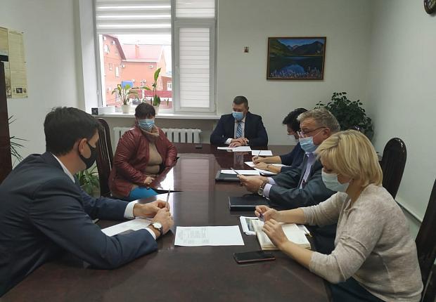 Двое жителей Усть-Лабинского района получили ответ главы муниципалитета