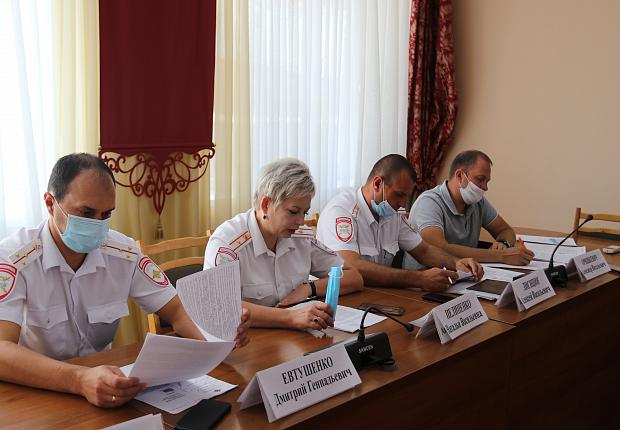 В Усть-Лабинском районе обсудили дорожную безопасность